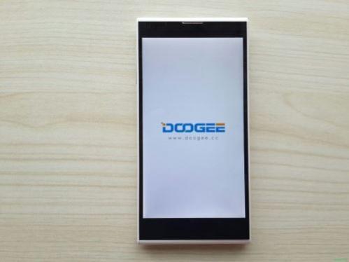Doogee_Dagger_DG550_04